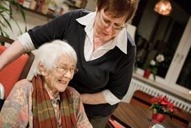 Freiwilligendienst im Sozialbereich für ältere Menschen (Bildnachweis: ©BMFSFJ/ Bertram_Hoekstra)