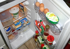kühlschrank macht komische geräusche