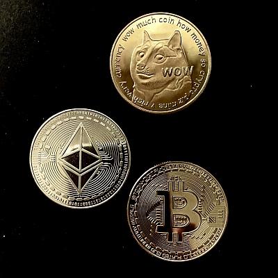 Kryptowährungen - Beispiele: Bitcoin, Ether, Dogecoin